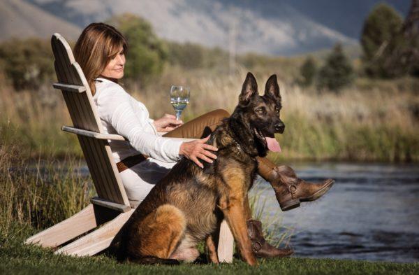 Малинуа и его хозяйка отдых на природе